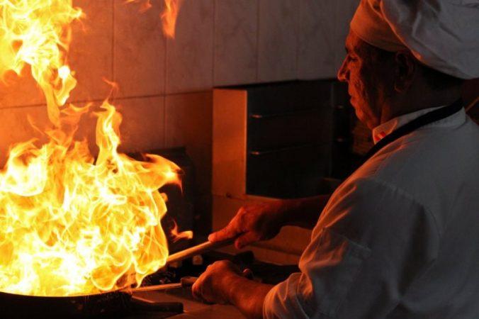 In der Küche ist nun Feuer unterm Dach